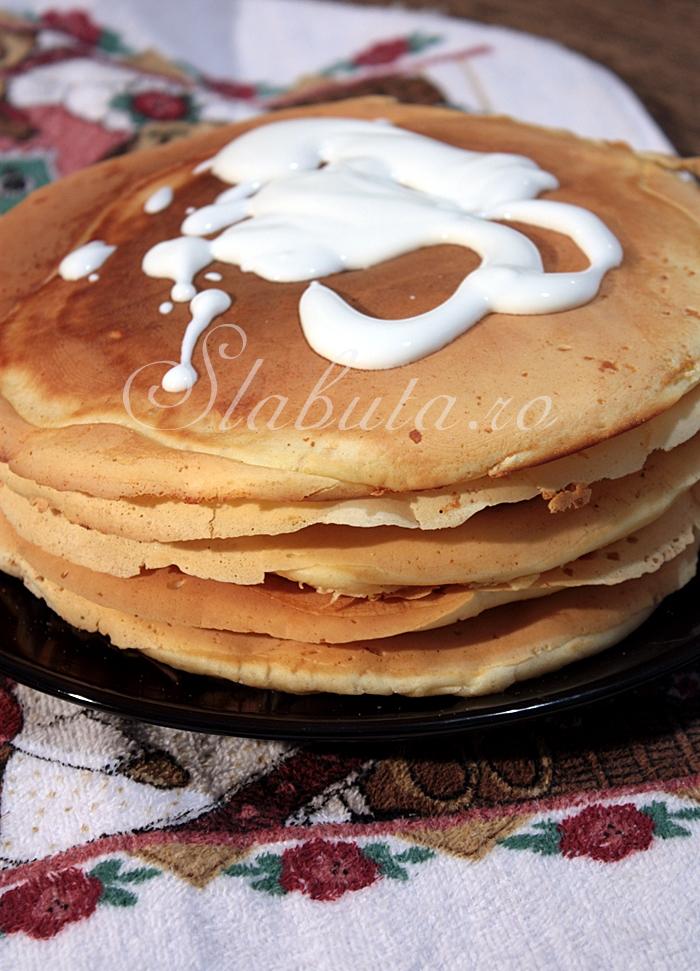 pancakes 01 Pancakes (clatite americane dietetice)