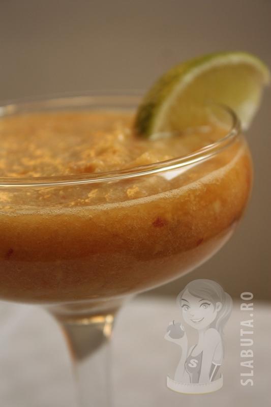 cocktail piersici pepene mar Cocktail uri de vara cu pepene galben si piersici