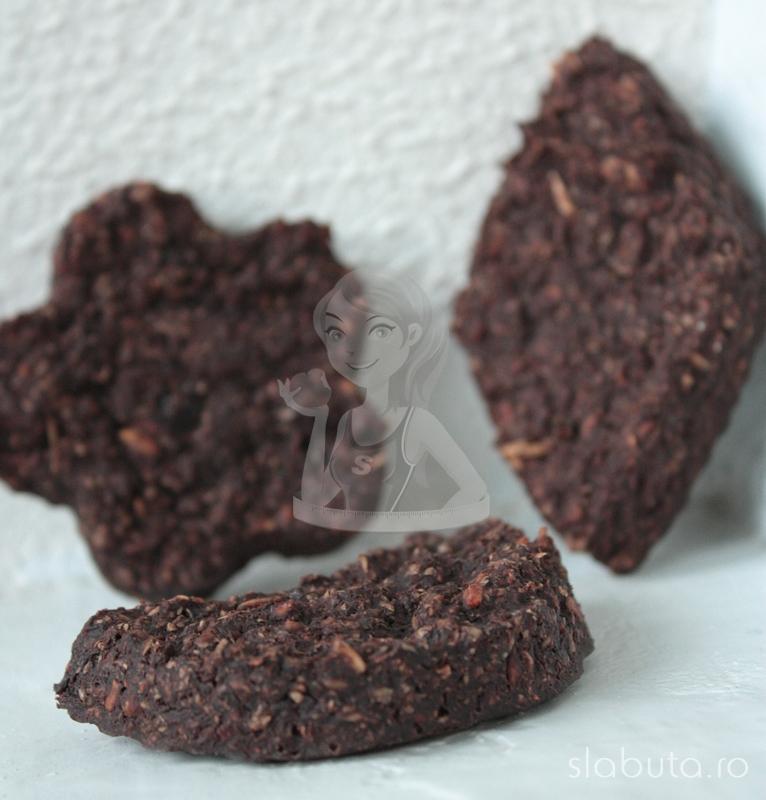 biscuiti ovaz Biscuiti de ovaz cu cacao si sirop de agave Slabuta