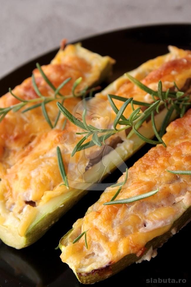 barcute carne 03 Barcute (dovlecei) cu carne Slabuta