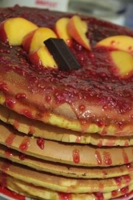 pancakes dulceata zmeura ciocolata 260x391 Patisserie, Boulangerie, Confiserie