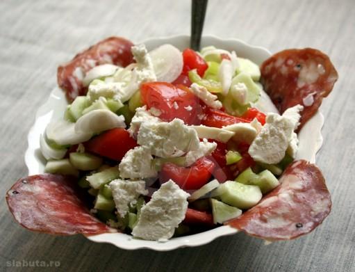 salata romaneasca 511x391 3 salate colorate, pentru o silueta de vis